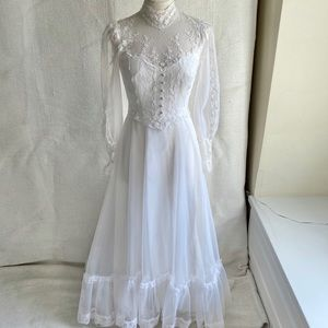 Vintage 70s 2/4 Boho Prairie Lace Wedding Dress